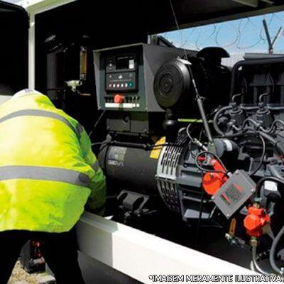 Serviço de manutenção corretiva em gerador de energia